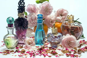 Perfume & Fragrance Packaging Market